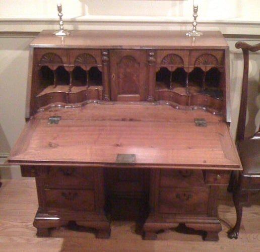Benjamin Franklin's Kneehole Desk