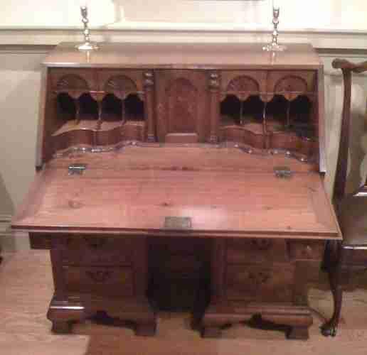 Benjamin Franklin's Kneehole Desk